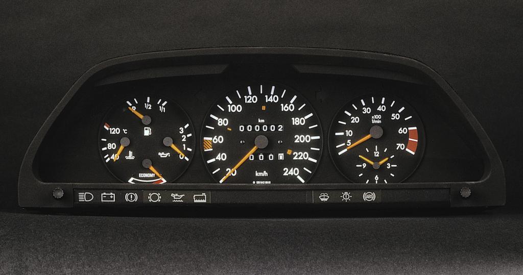 W126_Kombiinstrument_1985